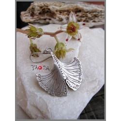 Leaf Ginkgo biloba small